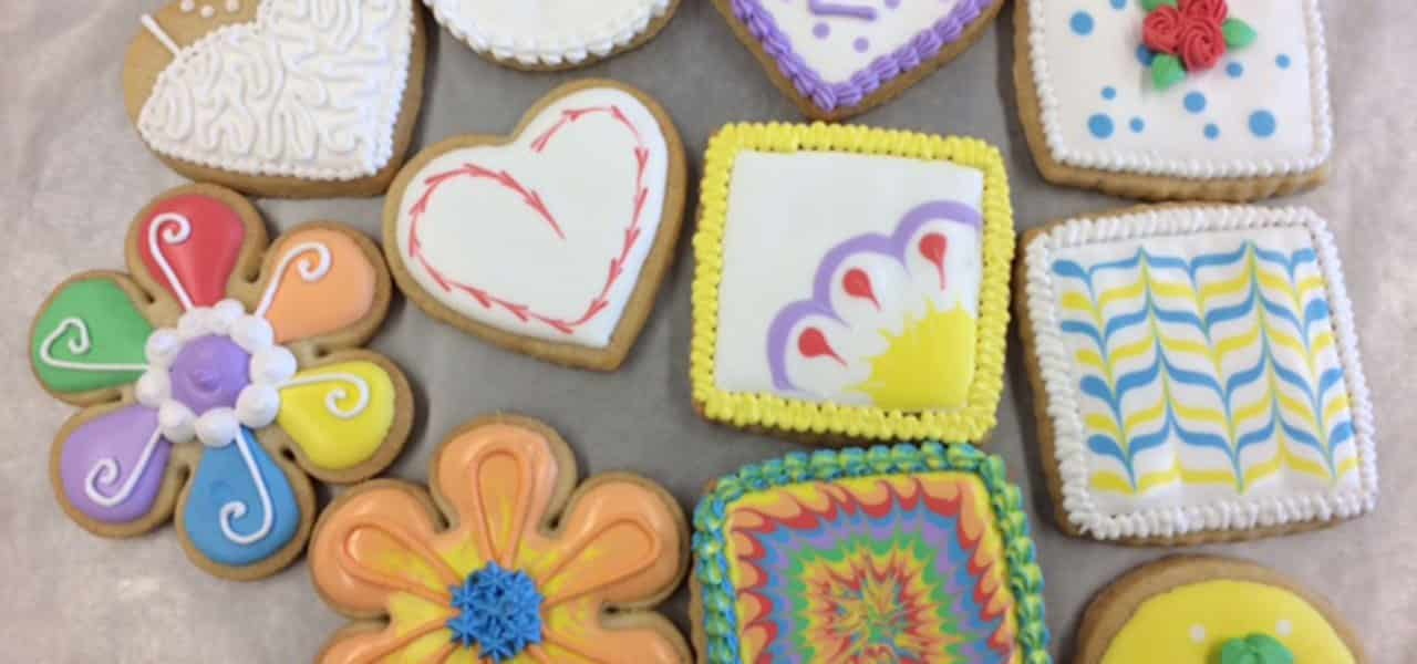 Royal Icing Cookies | Wilton Cake Decorating