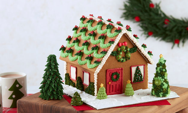 How to Decorate a Gingerbread House – Tips & Tricks
