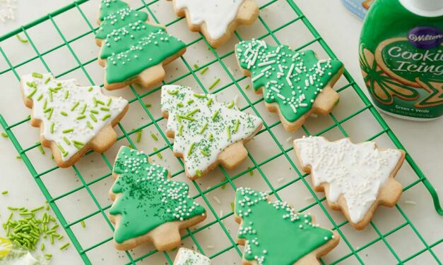 3 Top Christmas Cookie Icings (with Royal Icing Recipe)