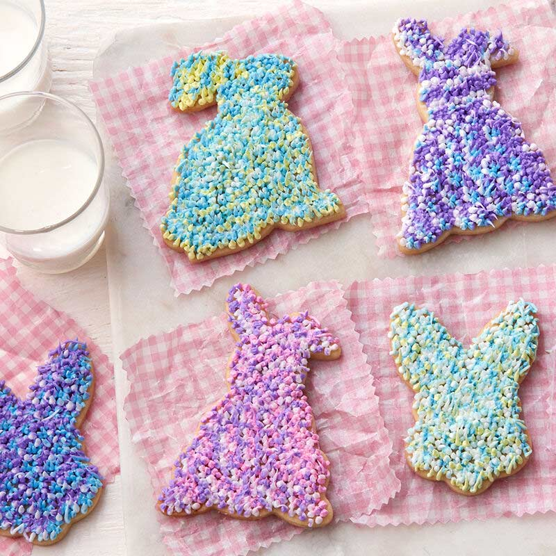 bunny cookies piped with a shaggy texture made of buttercream frosting