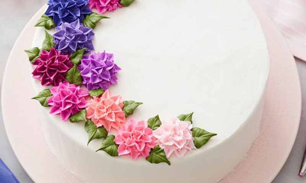 How to Pipe A Buttercream Aster Flower