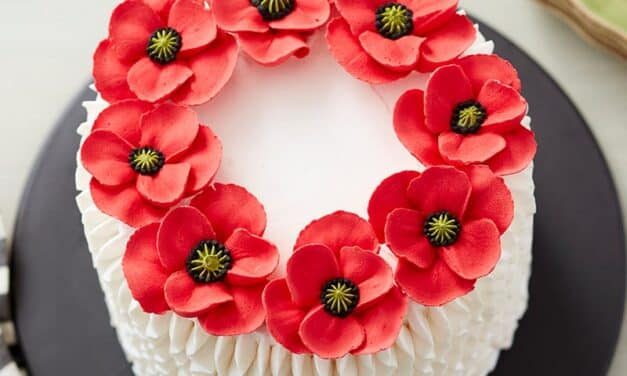 How to Make a Pretty Poppy Cake